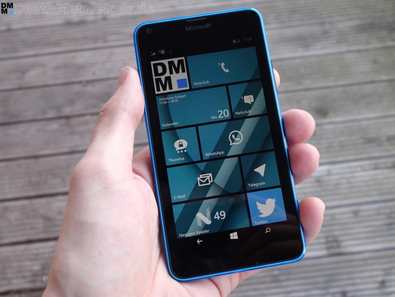Lumia640Hand