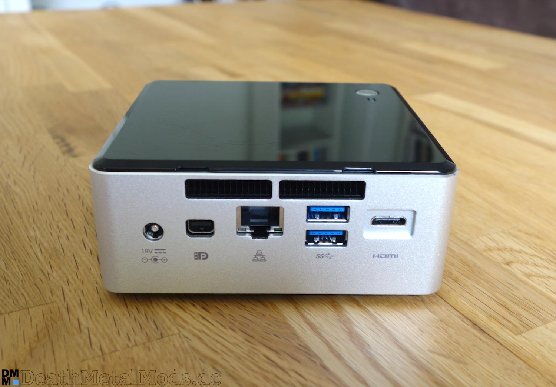 Rückseite mit USB 3.0, Netzanschluss, mini DP, mini HDMI und RJ45