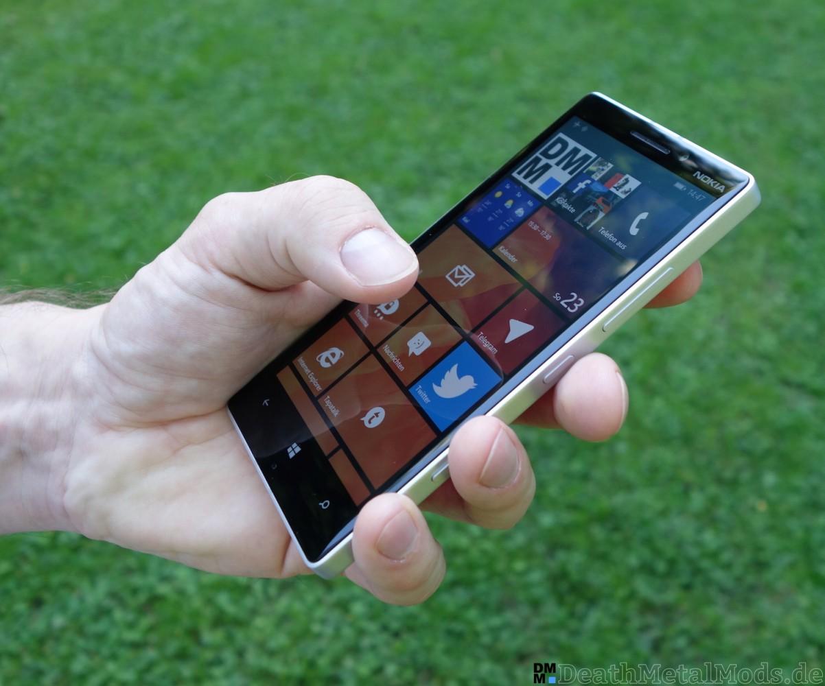 Lumia930RueckblickHand1