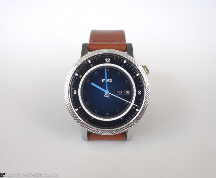 Moto3602015Display